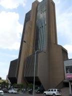 Oficina En Venta En Valencia, Avenida Bolivar Norte, Venezuela, VE RAH: 17-288