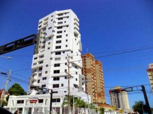 Apartamento En Alquiler En Maracaibo, Cecilio Acosta, Venezuela, VE RAH: 17-311
