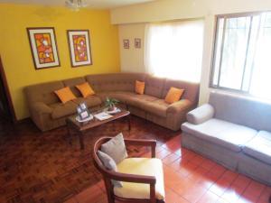 Apartamento En Venta En Maracaibo, Lago Mar Beach, Venezuela, VE RAH: 17-326