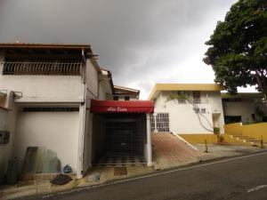 Casa En Venta En Caracas, Colinas De Bello Monte, Venezuela, VE RAH: 17-343