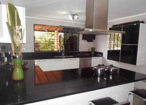 Casa En Venta En Valencia, La Trigaleña, Venezuela, VE RAH: 17-349