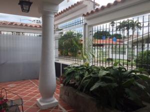 Casa En Venta En Valencia, Santa Cecilia, Venezuela, VE RAH: 17-373