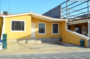 Casa En Venta En Barquisimeto, Parroquia El Cuji, Venezuela, VE RAH: 17-389
