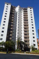 Apartamento En Venta En Valencia, Los Mangos, Venezuela, VE RAH: 17-404