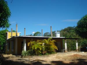 Terreno En Venta En Tinaquillo, Tinaquillo, Venezuela, VE RAH: 17-428