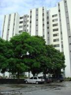 Apartamento En Venta En Municipio Naguanagua, La Granja, Venezuela, VE RAH: 17-415