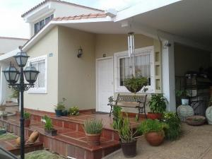 Townhouse En Venta En Maracaibo, Doral Norte, Venezuela, VE RAH: 17-452
