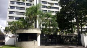 Apartamento En Alquiler En Caracas, Santa Eduvigis, Venezuela, VE RAH: 17-454