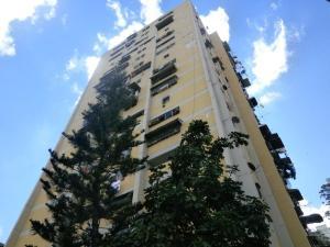 Apartamento En Venta En Caracas, Caricuao, Venezuela, VE RAH: 17-458