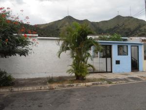 Casa En Venta En Municipio San Diego, La Esmeralda, Venezuela, VE RAH: 17-466