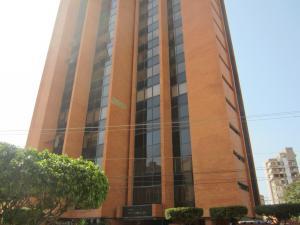 Apartamento En Venta En Maracaibo, Calle 72, Venezuela, VE RAH: 17-473