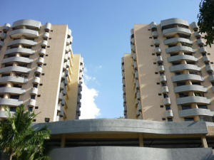 Apartamento En Venta En Valencia, Parque Mirador, Venezuela, VE RAH: 17-477