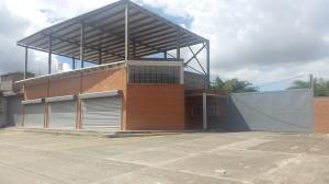 Local Comercial En Alquiler En Guatire, Guatire, Venezuela, VE RAH: 17-488