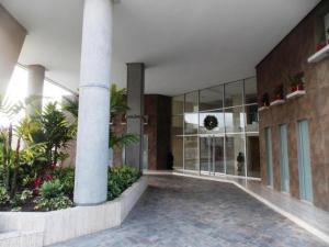 Apartamento En Venta En Valencia, Terrazas Del Country, Venezuela, VE RAH: 17-519