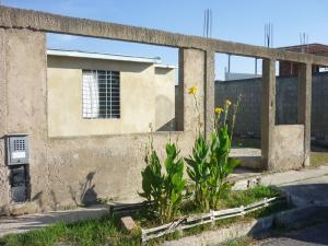 Casa En Venta En Municipio Los Guayos, Buenaventura, Venezuela, VE RAH: 17-498