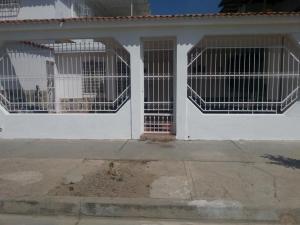 Casa En Venta En Palo Negro, El Orticeño, Venezuela, VE RAH: 17-504
