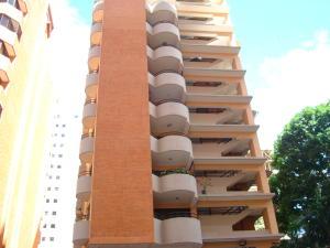 Apartamento En Venta En Valencia, La Trigaleña, Venezuela, VE RAH: 17-697