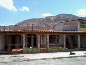 Casa En Venta En Turmero, Valle Fresco, Venezuela, VE RAH: 17-528