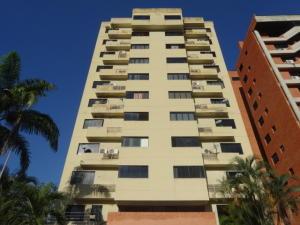 Apartamento En Venta En Valencia, Sabana Larga, Venezuela, VE RAH: 17-530
