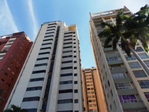 Apartamento En Venta En Valencia, Avenida Bolivar Norte, Venezuela, VE RAH: 17-533