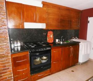 Apartamento En Venta En Maracaibo, Valle Claro, Venezuela, VE RAH: 17-544