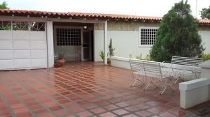 Townhouse En Venta En Maracaibo, Fuerzas Armadas, Venezuela, VE RAH: 17-553