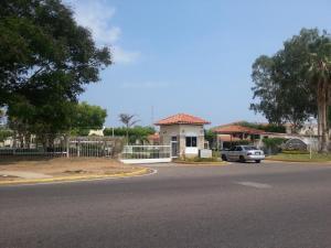Townhouse En Venta En Maracaibo, Doral Norte, Venezuela, VE RAH: 17-554