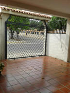 Casa En Ventaen Maracaibo, Cumbres De Maracaibo, Venezuela, VE RAH: 17-566