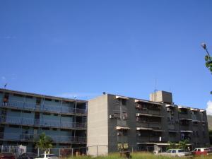 Apartamento En Venta En Maracay, Caña De Azucar, Venezuela, VE RAH: 17-572