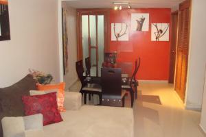 Apartamento En Venta En Maracaibo, Avenida Delicias Norte, Venezuela, VE RAH: 17-593