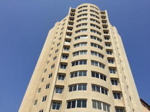 Apartamento En Venta En Maracaibo, Santa Rita, Venezuela, VE RAH: 17-625