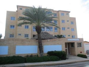 Apartamento En Venta En Municipio Maneiro Pampatar, San Lorenzo, Venezuela, VE RAH: 17-653