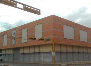 Local Comercial En Venta En Maracay, Avenida Bolivar, Venezuela, VE RAH: 17-639