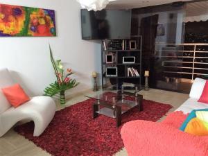 En Venta En Caracas - Los Samanes Código FLEX: 17-640 No.1