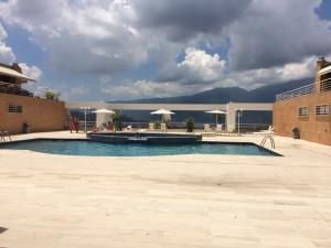 En Venta En Caracas - Los Samanes Código FLEX: 17-640 No.9