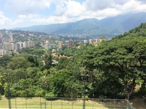 En Venta En Caracas - Los Samanes Código FLEX: 17-640 No.10