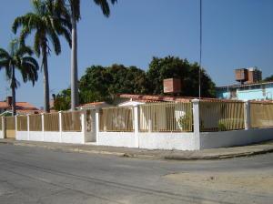 Casa En Venta En Maracay, Tiuna, Venezuela, VE RAH: 17-641