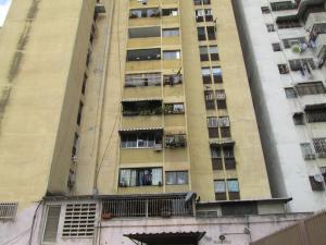 Apartamento En Venta En Caracas, Parroquia Altagracia, Venezuela, VE RAH: 17-650