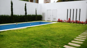 Casa En Venta En Maracaibo, Avenida Baralt, Venezuela, VE RAH: 17-664