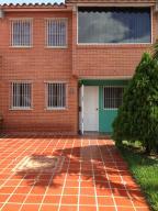 Townhouse En Venta En Guatire, Terrazas Del Ingenio, Venezuela, VE RAH: 17-680