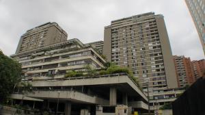 Apartamento En Venta En Caracas, Prados Del Este, Venezuela, VE RAH: 17-716