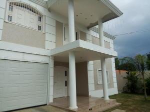 Casa En Venta En Cabimas, Cumana, Venezuela, VE RAH: 17-832