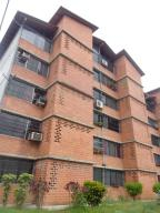 Apartamento En Venta En Guarenas, Nueva Casarapa, Venezuela, VE RAH: 17-723