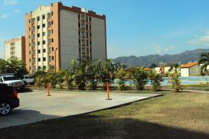 Apartamento En Venta En Municipio Naguanagua, El Rincon, Venezuela, VE RAH: 17-728