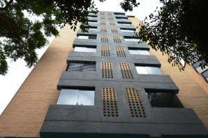 Apartamento En Venta En Valencia, Agua Blanca, Venezuela, VE RAH: 17-729