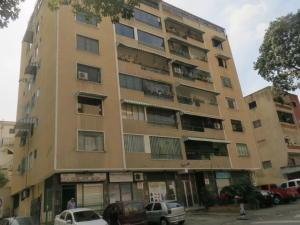 Apartamento En Venta En Caracas, Colinas De Bello Monte, Venezuela, VE RAH: 17-777
