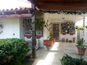 Casa En Venta En Cabimas, Cumana, Venezuela, VE RAH: 17-802