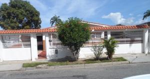Casa En Venta En Valencia, Trigal Norte, Venezuela, VE RAH: 17-759