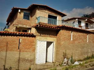 Casa En Venta En Caracas, El Marques, Venezuela, VE RAH: 17-801