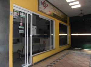 Local Comercial En Venta En Maracay, Zona Centro, Venezuela, VE RAH: 17-1964